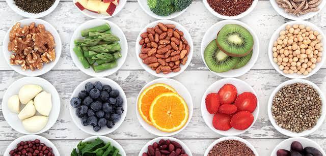 Khi trị thâm mụn thì nên ăn những loại thực phẩm gì2