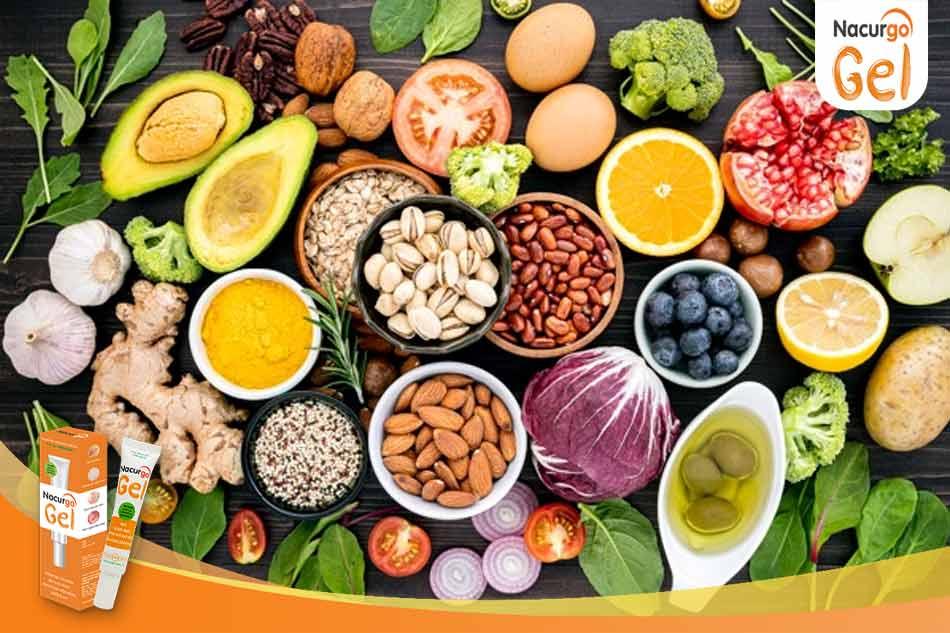 Bổ sung nhiều rau xanh trong chế độ ăn hàng ngày giúp trị thâm mụn