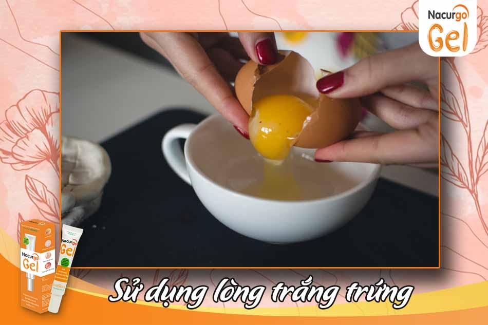 Dùng lòng trắng trứng trị mụn đầu đen
