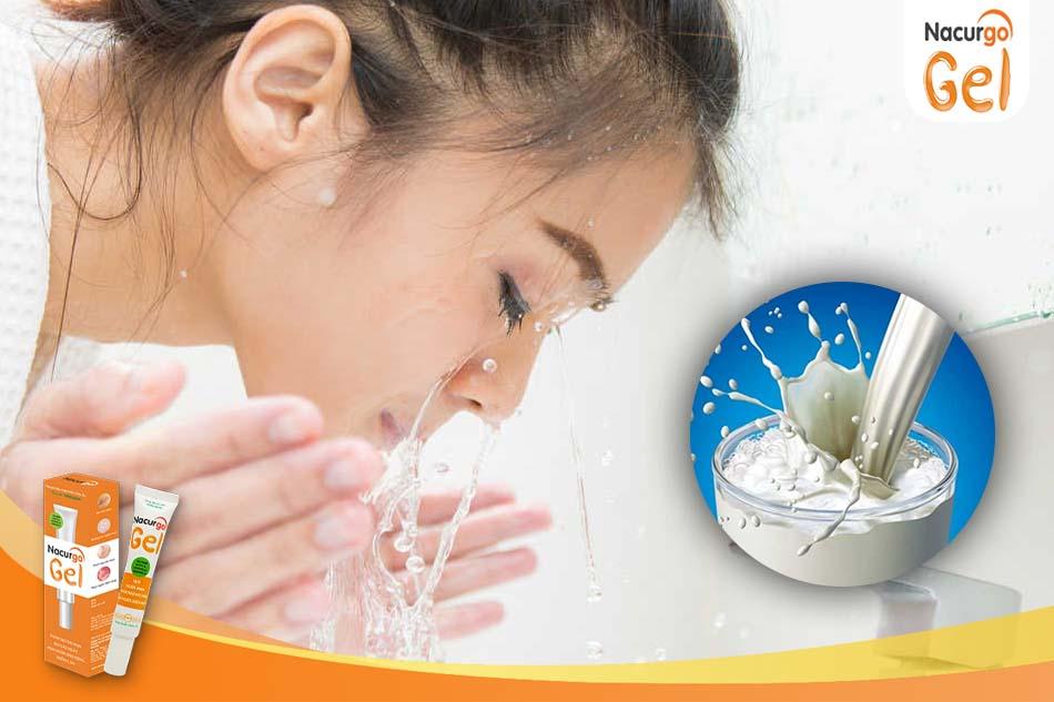 Rửa mặt bằng sữa tươi trị thâm