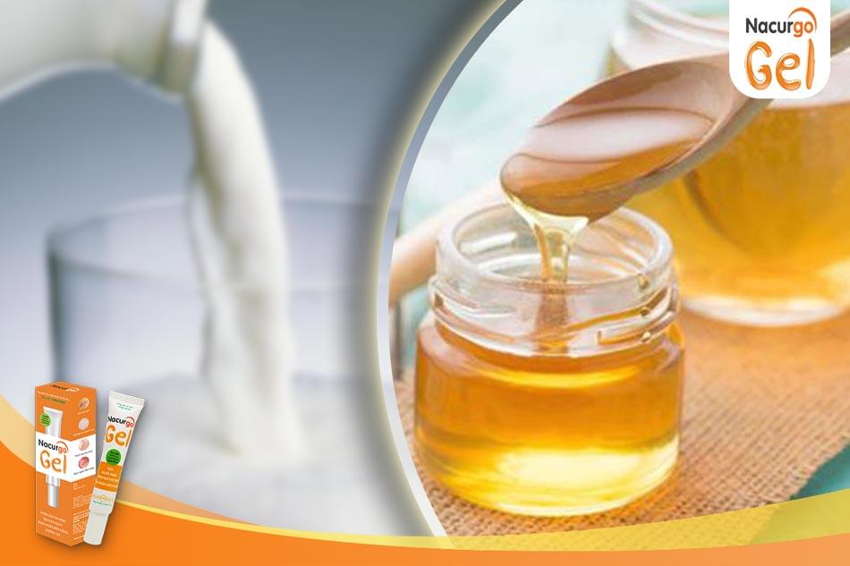 Trị thâm mụn bằng sữa tươi không đường và mật ong